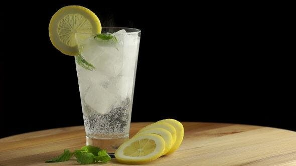 Cover Image for Cold Lemonade with Ice