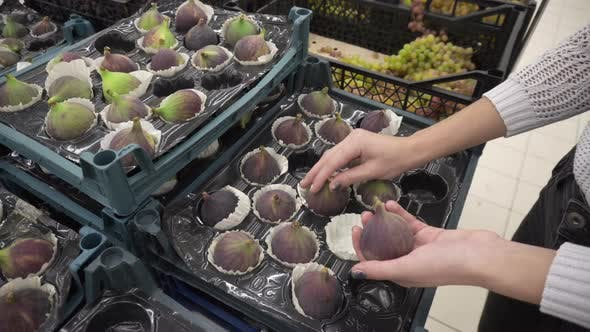Selects the Figs on the Market