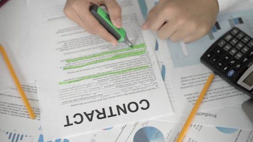 Highlighting Clause in Contract