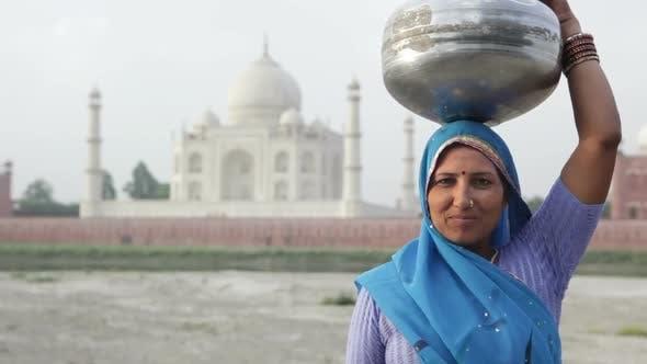 Thumbnail for Indian Woman Wearing Sari In Front Of Taj Mahal 1