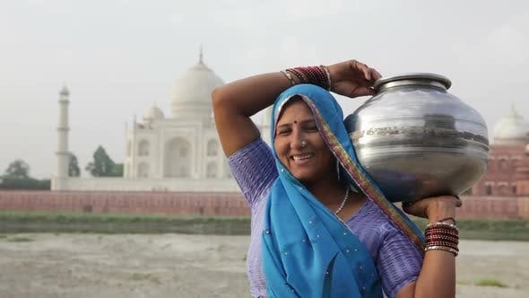 Thumbnail for Indian Woman Wearing Sari In Front Of Taj Mahal 3