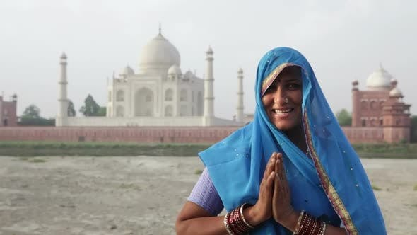 Thumbnail for Indian Woman Wearing Sari In Front Of Taj Mahal 5