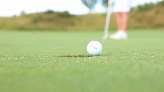 Thumbnail for Golf Long Putt