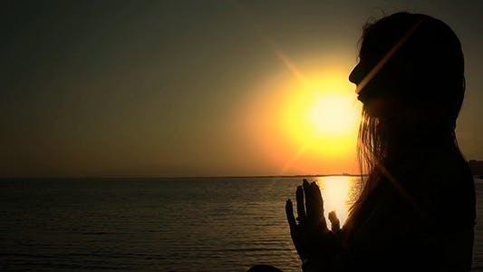 Thumbnail for Meditation bei Sonnenuntergang
