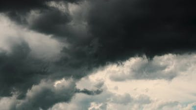 Timelapse Dark Storm Clouds