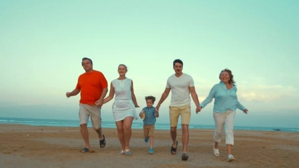 Cover Image for Bih Happy Family Running On The Beach