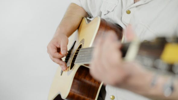 Cover Image for Guitar Playing in Studio