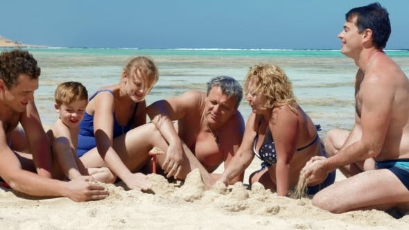 Thumbnail for Big Familie am Strand