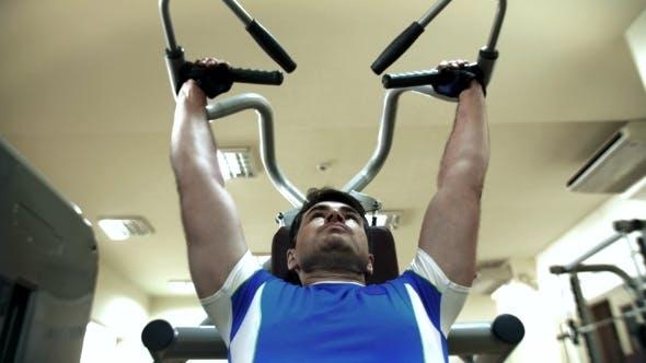 Er will fit und stark sein