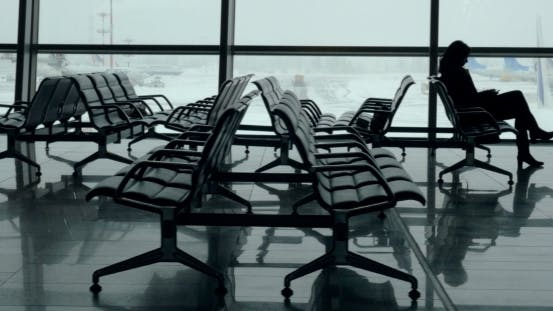 Cover Image for Lounge With Passengers