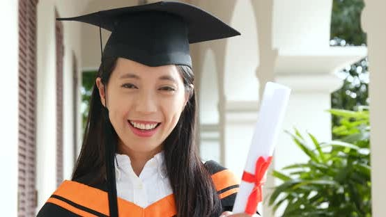 Thumbnail for Woman get graduation in university