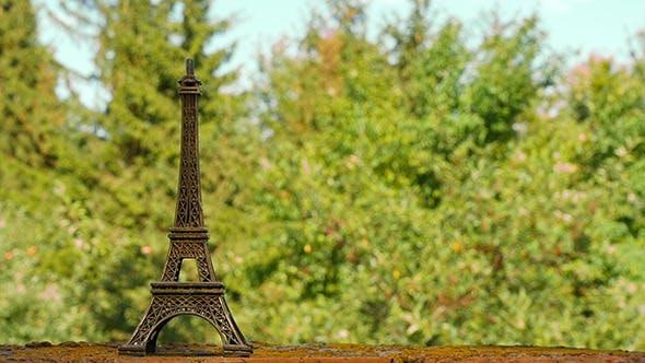 Thumbnail for Eiffelturm Souvenirfigur