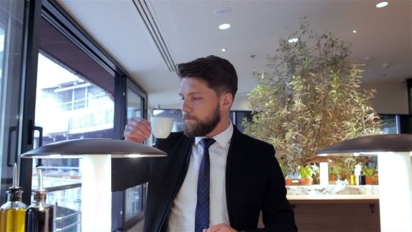 Thumbnail for Businessman Going On The Meeting After Break