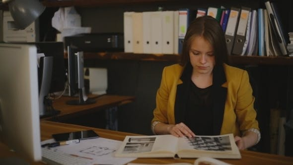 Thumbnail for Closeup Of Business Woman Working