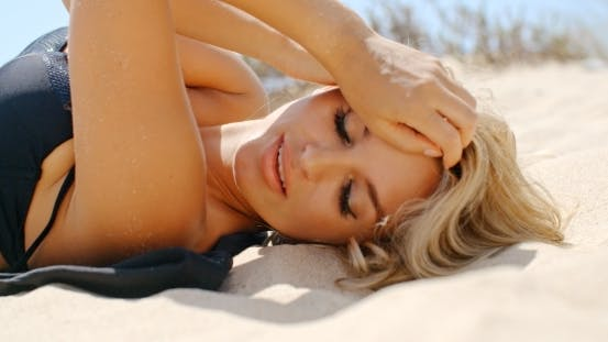 Thumbnail for Close Up Of Beautiful Girl On The Beach