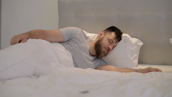 Фото александры фото мужиков спящих в ночнушке