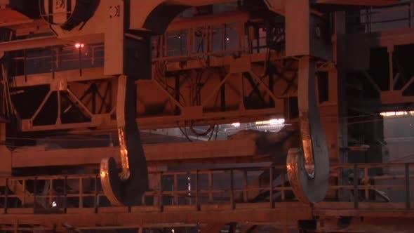 Metal Hook Cranes for Transportation