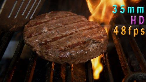 Grilling A Hamburger 04