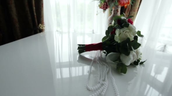 Cover Image for Wedding Bouquet On The Piano