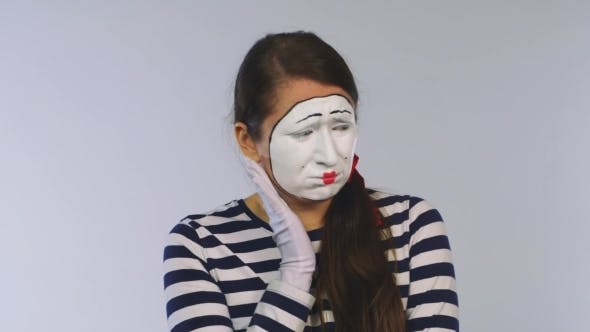 Cover Image for Woman Mime Shows Toothache