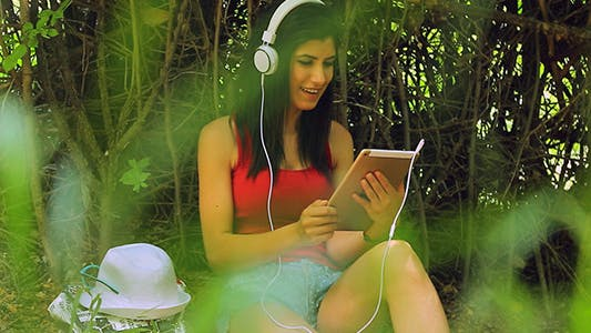 Thumbnail for Enjoy Music in A Digital Tablet
