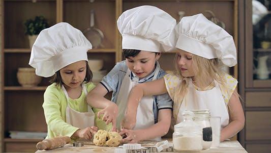 Thumbnail for Baking Teamwork