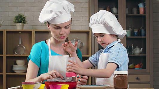Thumbnail for Teaching Kid to Bake
