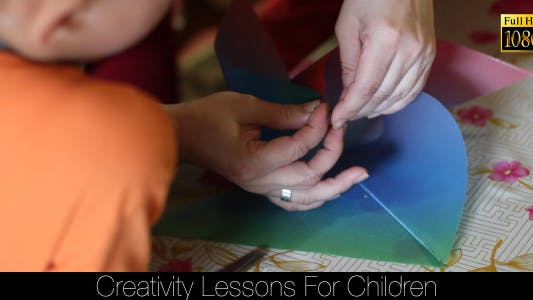 Cover Image for Creativity Lessons For Children