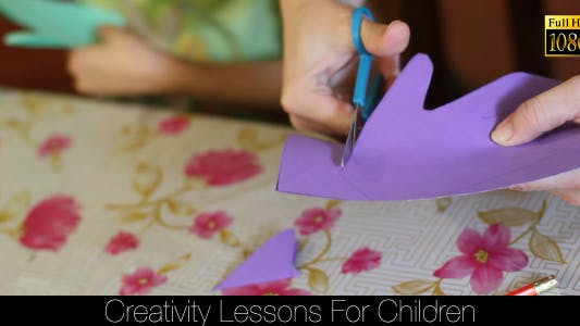 Cover Image for Creativity Lessons For Children 2