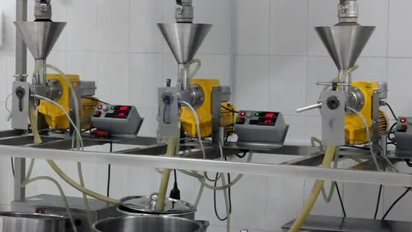 Thumbnail for Extraction Of Oils In A Factory