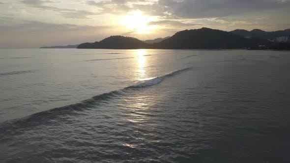 Wave at Permatang Damar Laut