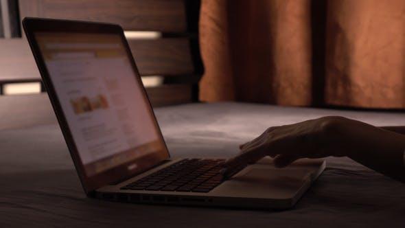 Thumbnail for Use Laptop