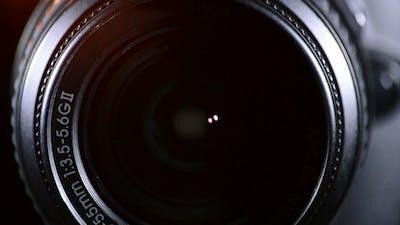 SLR Camera Focus Focusing and Shooting