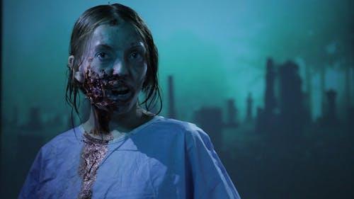 Zombie auf einem Friedhof