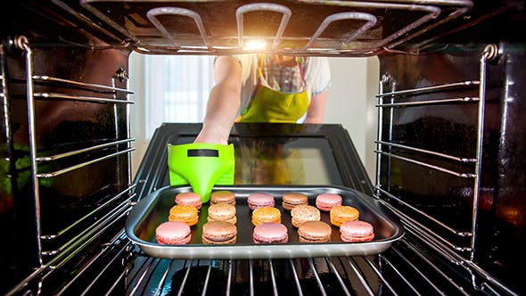 Baking Macarons In The Oven