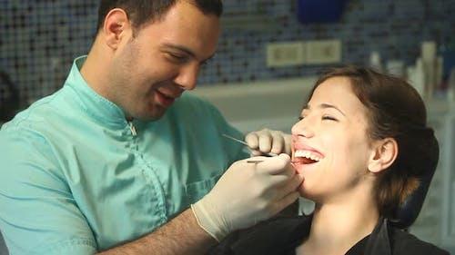 Zahnarzt 30