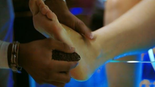 Thumbnail for Feet Peeling