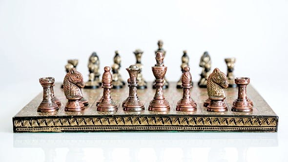 Cover Image for Chess Board With Chess Pieces