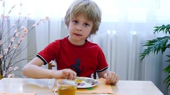 Thumbnail for Boy Eats Potato
