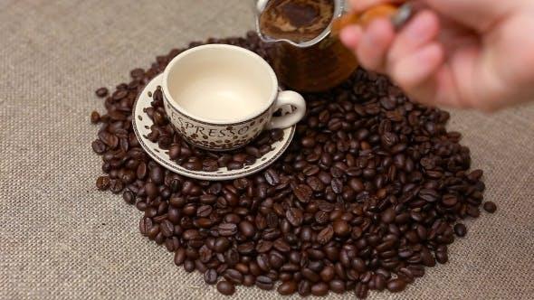 Türkischer Kaffee und Kaffeebohnen