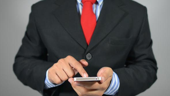 Cover Image for Analyzing Business Trend Online on Smartphone