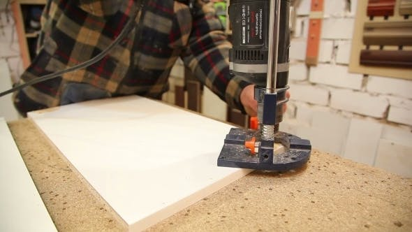 Thumbnail for Carpenter Spins Screws