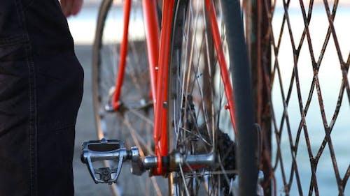 Hipster auf dem Fahrrad