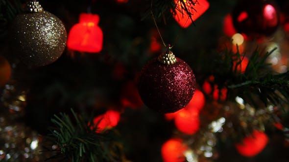 Thumbnail for Weihnachtskugel auf Weihnachtsbaum