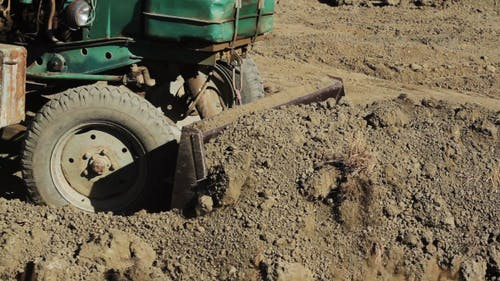 Old Tractor Level The Ground