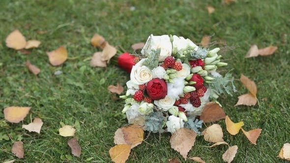 Thumbnail for Wedding Flowers On The Grass