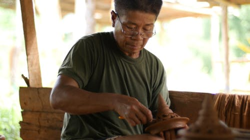 Carving Earthenware