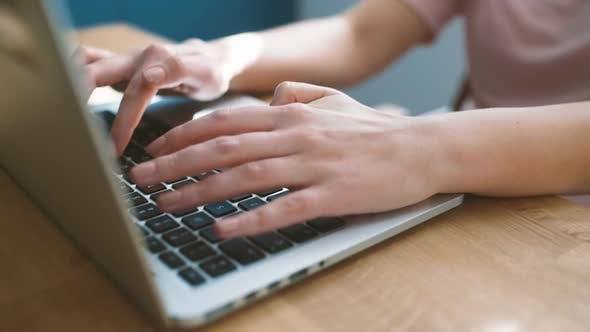 Thumbnail for Kreative Freelance Arbeit Online