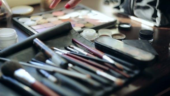 Thumbnail for Brush And Eye Shadow Makeup Tools