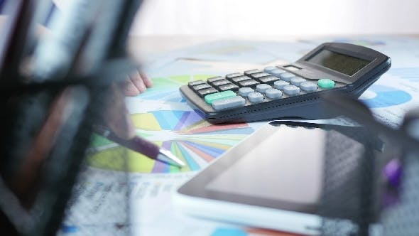 Financial Calculation And Using Tablet